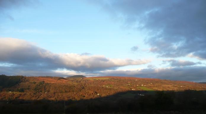 P1040705 Usk Valley sky