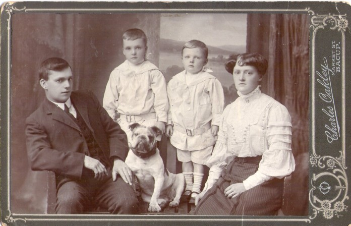 John William Ashworth &family c1911